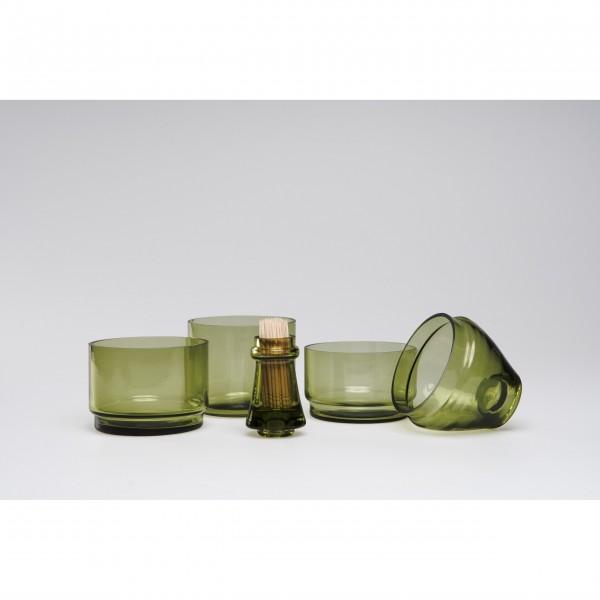 Grüne Schalen mit Zahnstocherhalter