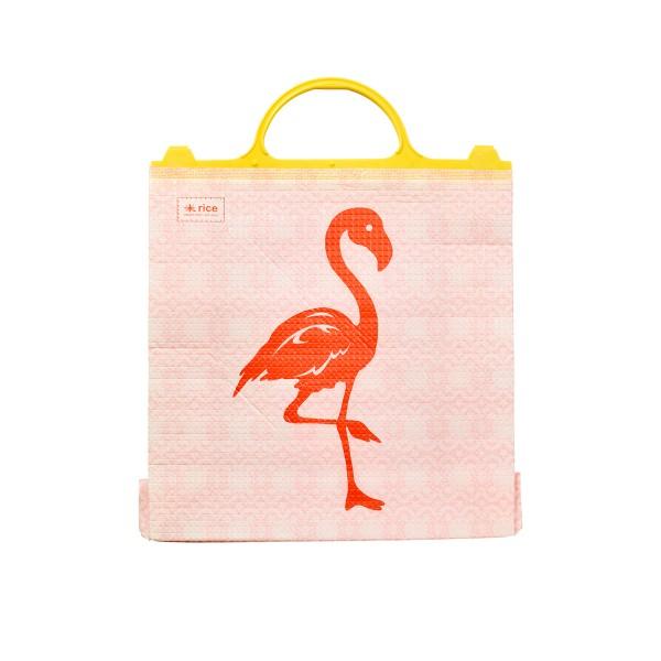 rein mit allem, was kühl bleiben soll in die Flamingo-Tasche von Rice!