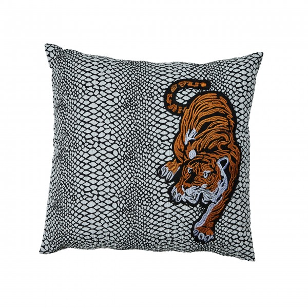 Schlangenlook meets Tigerdesign: Kissen von Bahne