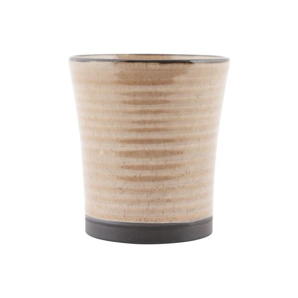 Zeitloser Trinkbecher aus Keramik