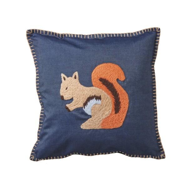 Ricetastisch: Kissenbezug mit Eichhörnchenstickerei